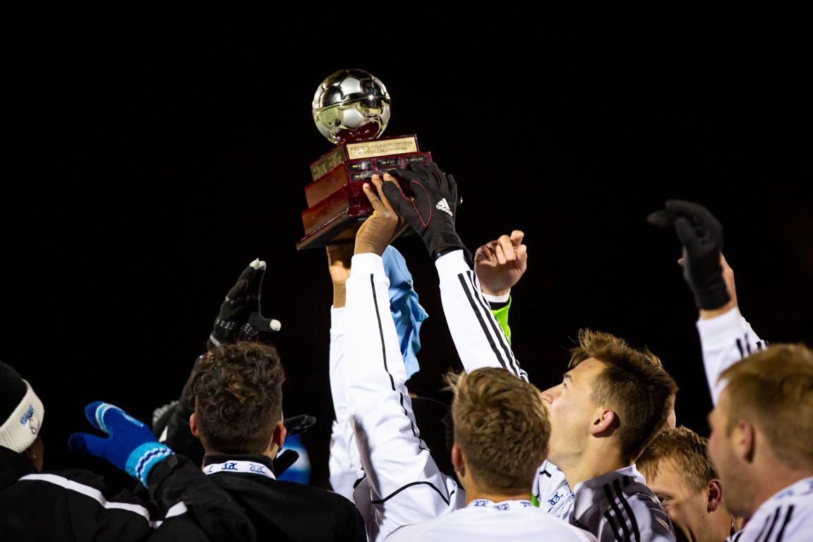 LC-MSOC-ACAC-Champs-2.jpg