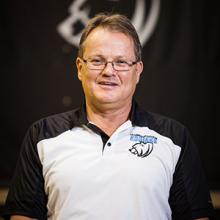 Kodiaks cross country and indoor track coach Bertil Johansson announces his retirement.